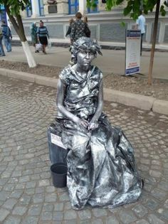 The term living statue refers to a mime artist who poses like a statue or mannequin, usually with realistic statue-like makeup, sometime. Mime Artist, Europe Day, Living Statue, Street Performance, Stone Statues, Photographs Of People, Actor Model, Art Of Living, Street Artists