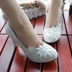 #cheap wedding shoes #comfortable wedding shoes #affordable bridal shoes #wedding shoes online