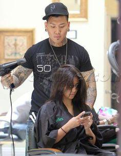 Kim Kardashian Shades In Beverly Hills Wearing A Saloncapes Kimono Wrap