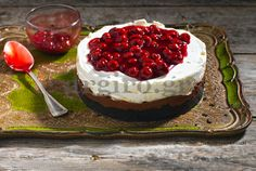 Cheesecake with Merenda and cherry Pastry Recipes, Cake Recipes, Cooking Recipes, Food Categories, Cheesecake Bars, Sweet Recipes, Oreo, Tapas, Sweets