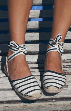 Sandals Summer Summer flats but could be a sandal too. I love how these lace up and that theyre espadrilles! - There is nothing more comfortable and cool to wear on your feet during the heat season than some flat sandals. Lace Up Espadrille Sandals, Lace Up Flats, Flat Sandals, Striped Espadrilles, Blue And White Espadrilles, Espadrilles Outfit, Trendy Sandals, Striped Flats, Ankle Strap Flats