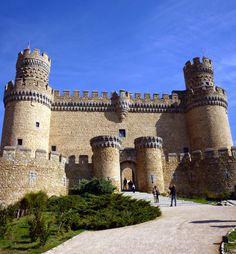 Madrid Monday: Day trip to Manzanares el Real - The medieval castle