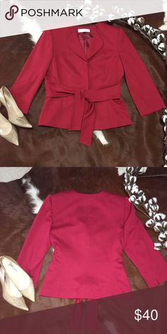 ‼️PRICE FIRM‼️ ❤️TAHARI ARTHUR S. LEVINE COAT❤️ In GREAT CONDITION USED TWICE ! NO HOLES NO STAINS !!  Three-quarter sleeves Self-tie at waist Shell 76% Polyester 20% Rayon 4% spandex Lining 100% polyester  Dry clean only ! Smoke/Pet free home ✌🏼️ Tahari Jackets & Coats