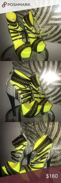 fa1bcf2e92 Heels NWT Lime green isn't black and white checked w gold links Shoes Heels