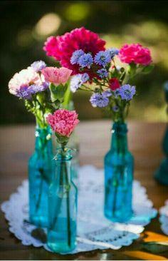 Uma dica de decoração super barata, são essas garrafinhas coloridas, que estão super em alta e deixará seu chá de cozinha uma graça. #chádecozinha #vamos colorir