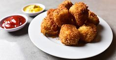 Watch and learn how to make homemade tater tots that taste like a hot dog with the works.