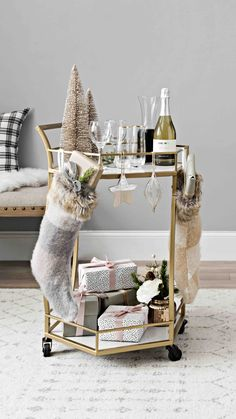 Affordable Bar Cart Ideas For New Years Eve Party Decoration 27 Creative Christmas Trees, All Things Christmas, Christmas Home, Christmas Ideas, Winter Things, Holiday Ideas, Bar Cart Decor, Bar Cart Styling, Seasonal Decor