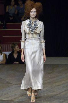 Alexander McQueen Spring 2007 Ready-to-Wear Fashion Show - Olga Sherer (NATHALIE)
