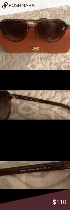 😎Tory Burch Tortoise shell Sunglasses with Cases Tory Burch Sunglasses that are so pretty , they have been worn and loved ,the hard case on ea end has rubbing and micro scratches on ea lense which I didn't notice when waring, this is to be expected since they are used, they also show the Tory Burch symbol throughout the lenses which I might be getting confused with a micro scratch , never have seen this on sunglasses, they cost a lot ,(measurements: 56 | 14 135mm) Tory Burch Accessories…