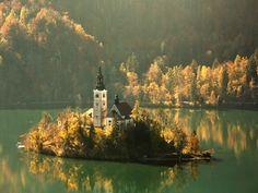 Visit Slovenia, Bled Slovenia, Slovenia Travel, Cool Places To Visit, Places To Go, Underground Tour, Romantic Road, Romantic Places, Lake Bled