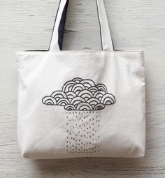 cloud rain tote bag / nimbus cloud hand embroidered / por NIARMENA