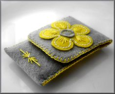 Articoli simili a Ipod / cell phone case cozy felt hand embroidery grey and yellow FREE SHIPPING su Etsy