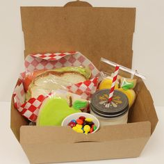 Cute picnic party party ideas pinterest picnic parties kraft lunch box 10 paper food boxes party picnic by roadsidechick forumfinder Gallery