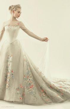 cinderella wedding dress dresses disney lily james Likes Cinderella Movie, Cinderella Wedding, Cinderella Dresses, Cinderella Live Action, Ball Dresses, Ball Gowns, Prom Dresses, Pretty Dresses, Beautiful Dresses