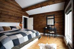Hvit tak wooden cabins, cabin interiors, cozy cabin, interior decorating, c Cabin Interiors, Wood Interiors, Cubes, Eating Before Bed, Wooden Cabins, Couple Bedroom, Wood Bedroom, Cozy Cabin