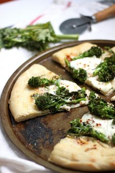 """Hi guys! And Happy Haaaaalloween! Today we're talking PIZZA! It gets me excited.And this broccoli rabe & burrata pizza should get you excited too! It's a dream on dough Are you a fan of broccoli rabe? I've heard it's one of those """"acquired taste"""" foods, but if you've never tried it, it's definitely worth giving …"""