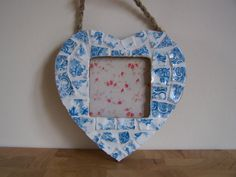 2.5 x 2.5 Blue and White Nordic Mosaic Heart Photo Frame - Vintage Broken China