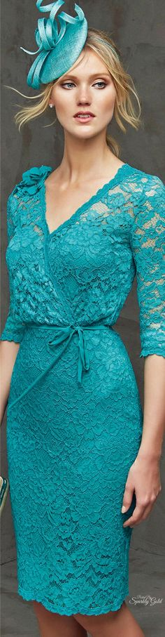 Short lace cocktail dress with cross-over neckline. Elegant Dresses, Nice Dresses, Short Dresses, Chiffon Dresses, Pronovias Dresses, Turquoise Fashion, Bodycon Cocktail Dress, Azul Tiffany, Shades Of Teal