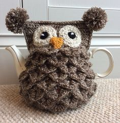Crochet owl tea cosy using crocodile stitch