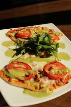 Turkey Bacon, Tomato, Arugula Pizza - a delicious and healthy recipe!