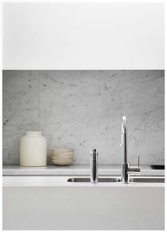 Est Mag, White Light, Marble Splashback