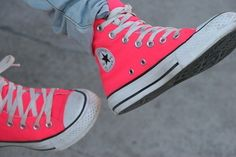 I'm loooooovin' these converse sneakers! Converse All Star, Pink Converse, Converse Sneakers, Converse High, Colored Converse, Cheap Converse, Chuck Taylors, Cute Shoes, Me Too Shoes