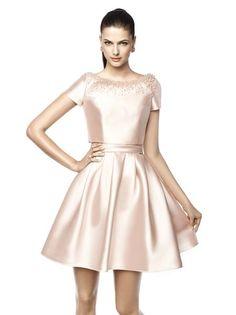 Vestido NASIA Pronovias 2015 rosa metalizado com saia voluminosa.