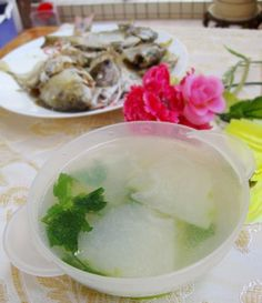 Fish soup with white gourd in clay pot