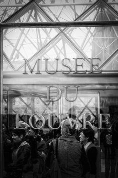 Louvre by Ricardo Kühl on Flickr.