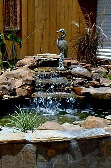 It's not difficult to create a waterfall pond feature rather than the conventional pond. With this small waterfall pond landscaping ideas you will inspired to make your own small waterfall on your home backyard. Outdoor Ponds, Ponds Backyard, Modern Backyard, Backyard Waterfalls, Garden Ponds, Outdoor Fountains, Large Backyard, Ponds With Waterfalls, Rustic Backyard