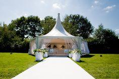 Trouwen in een tent in je eigen tuin, bruiloftideetjes