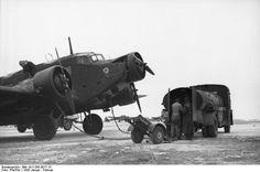 Ju -52 (fueling)