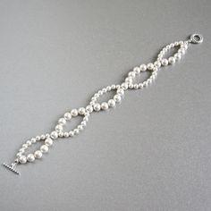 bracelet perle blanc nacré argenté : Autres accessoires bijoux par elle-n