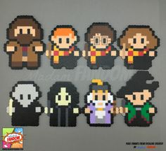 Our Harry Potter themed Magnets or Ornaments are a MUST for any Potterhead! Each character is created from original Madam FANDOM Pixel Art to add a completely unique touch to your home decor. You may purchase characters individually, or as a complete set, Harry Potter Navidad, Harry Potter Weihnachten, Décoration Harry Potter, Harry Potter Christmas, Perler Bead Templates, Diy Perler Beads, Perler Bead Art, Melty Bead Patterns, Pearler Bead Patterns