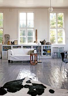 Floor - my scandinavian home: A Swedish artist's home in a former school house Living Etc, Home And Living, Living Spaces, Living Room, Living Area, Style At Home, Decoration Ikea, Scandinavian Home, Deco Design