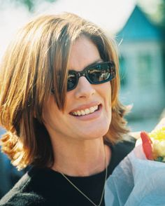 Rene Russo - hair style