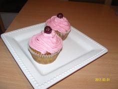 Meggyes cupcake recept - Gyümölcsös muffin Cupcakes, Muffin, Food, Cupcake, Meal, Cup Cakes, Eten, Meals, Muffins
