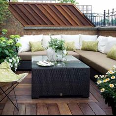Home And Garden Modern Balcony Gardens Balcony Design Ideas For A Cozy And Comf. Home And Garden M Small Terrace, Small Patio, Large Backyard, Terrace Garden Design, Patio Design, Garden Oasis, Style At Home, Outdoor Dining, Outdoor Spaces