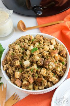 This Easy Crockpot Stuffing recipe is one of my favorite, classic Thanksgiving recipes. It's easy to make and will stay warm in the slow cooker until you are ready to serve. Family Fresh Meals, Easy Family Meals, Quick Easy Meals, Family Recipes, Crockpot Stuffing, Stuffing Recipes, Slow Cooker Recipes, Crockpot Recipes, Healthy Recipes