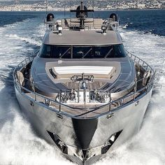 Yacht Design, Boat Design, Speed Boats, Power Boats, Yacht Luxury, Luxury Boats, Luxury Travel, Ski Nautique, Sports Nautiques