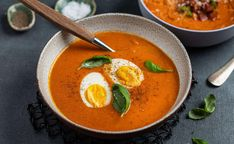 Hjemmelaget tomatsuppe Slow Cooker Soup, Frisk, Tomato Soup, Chorizo, Food Inspiration, Thai Red Curry, Food To Make, Food And Drink, Tasty