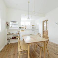 622 個讚,1 則留言 - Instagram 上的 Ideal Home-株式会社ウエストビルド(@westbuild138152):「 三角の土地にご家族の思いを詰め込んみました。造り込まず主張せず。あくまででもシンプルに。ご家族が笑顔になるお家です☺🍀 #造作 #家 #新築 #住宅 #interior #建築 #house… 」