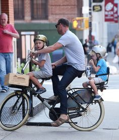 Liev Schreiber takes his boys Sasha and Samuel for a bike ride on August 20, 2014