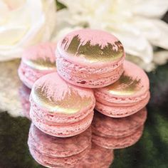 decorated macarons