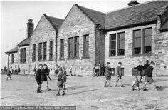 Children at playtime in the Ahhh, the best years of our lives. Kirkburton, Church Of England School State School, School Days, Old School, Boys Short Suit, Nostalgic Images, British Schools, Old Photos, Vintage Photos, Church Of England
