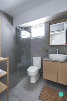 54 Premium Modern White Bathroom with White Cabinets Ideas - HomeCNB Cosy Bathroom, Mold In Bathroom, Bathroom Tile Designs, Bathroom Layout, Modern Bathroom Design, Bathroom Interior Design, Small Bathroom, Office Bathroom, Washroom