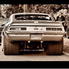 Huge rear tires! That must have takin a lot of work