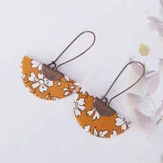 Boucles d'oreilles en tissus liberty - longues dormeuses - cadeau fait-main pour elle- personnalisable - Un grand marché