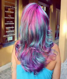 Rainbow hair coloring - Julie Home Hair Color Auburn, Hair Color Highlights, Hair Color For Black Hair, Cool Blonde, Brunette To Blonde, Latest Hairstyles, Cool Hairstyles, Makeup For Blondes, Natural Hair Styles