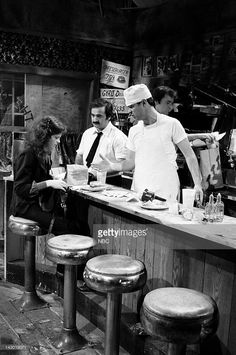 Gilda Radner as patron, John Belushi as George, Dan Aykroyd as Pete during the 'The Olympia Cafe' skit on May 1979 - Photo by: Snl Movies, Good Movies, Old Tv Shows, Great Tv Shows, Gilda Radner, George Burns, The Blues Brothers, Haha Funny, Funny Stuff